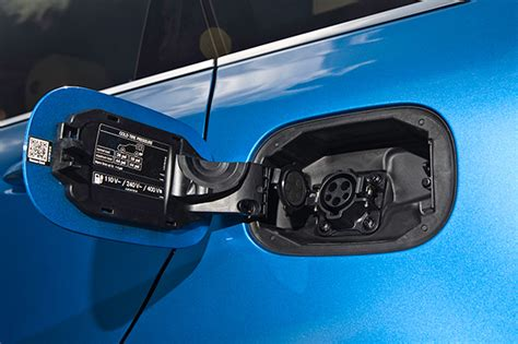 Electric Car Charging Ports by Pictures And Of Mercedes B Class Electric Drive