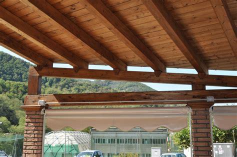 realizzazione tettoia in legno realizzazione tettoia dehors bar torre calvari genova