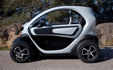renault twizy vs smart fortwo renault twizy electric minicar on ebay what you need to