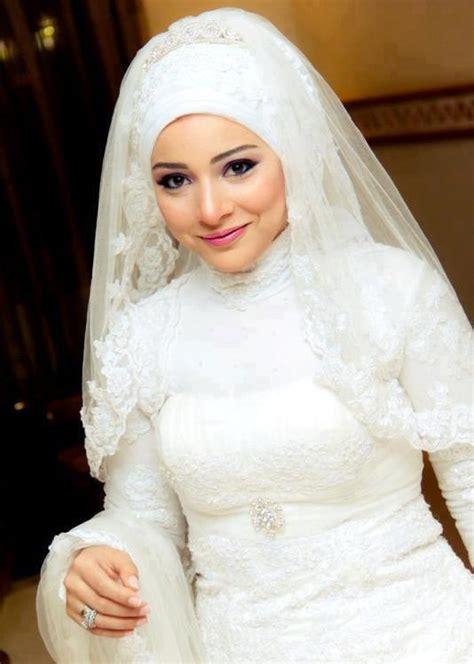contoh model hijab modern  pengantin muslimah