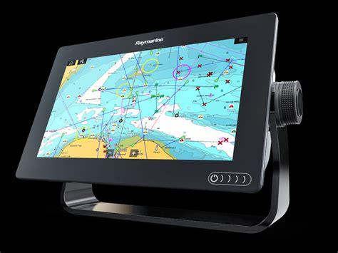 hot  marine electronics   boatscom