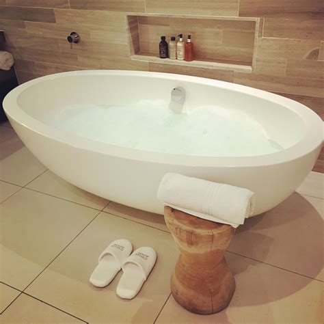 low profile bathtubs oversized bathtub great full size of cool bathrooms low