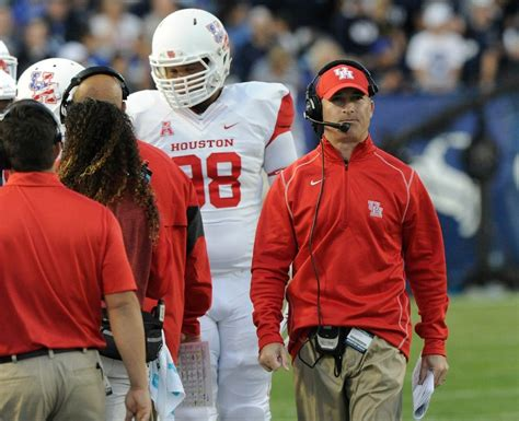 Football Coach Description by Tony Levine Relieved Of Uh Football Coaching Duties Houston Chronicle