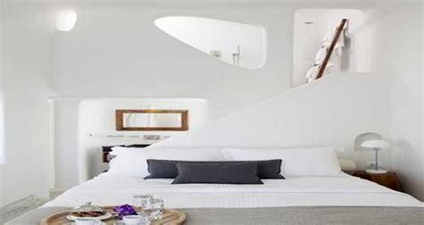 Superbe Couleur Chambre Adulte Zen #1: chambre-blanche-la-couleur-deco-pour-deco-chambre-adulte-zen.jpg