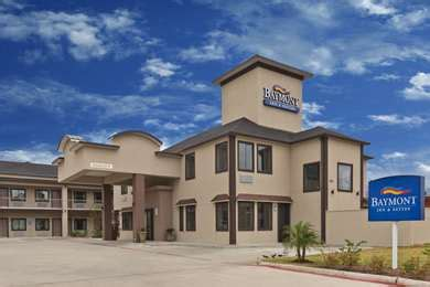 pet friendly hotels  bryan texas accepting dogs  cats