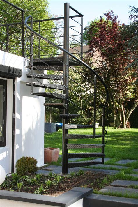 escalier ext 233 rieur de la terrasse au jardin ehi escalier h 233 lico 239 dal industriel