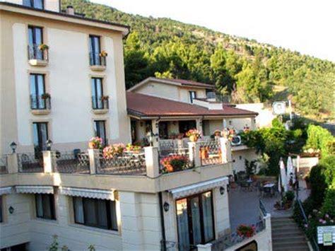 le terrazze cisternino hotel ristorante le terrazze sul gargano prenotazione