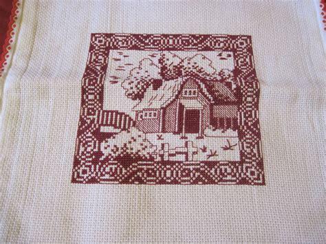 schemi punto croce per cuscini coppia cuscini punto croce per la casa e per te