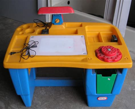 tikes desk fisher price tikes lighted desk had this one