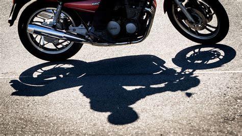 Motorradhelm Zieht turban statt motorradhelm sikh zieht vor