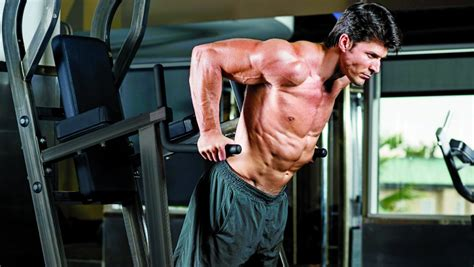 michael phelps bench press bodyweight workout for a shredded physique muscle fitness