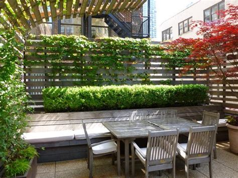 backyard privacy wall 30 green backyard landscaping ideas adding privacy to