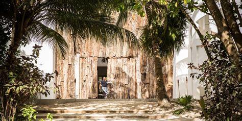 narcos fans vacation  pablo escobar  casa malca