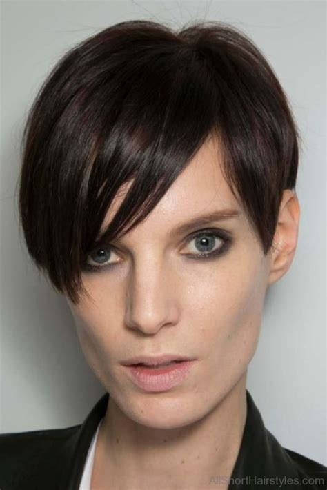 hairstyles for rectangle pixie haircuts for rectangular faces flattering