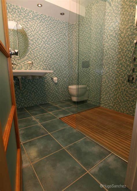 Duckboard shower   Céramiques Hugo Sanchez Inc