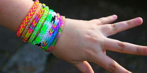 Karet Gelang Warna Warni bahaya gelang karet loom band dari kanker sai kebutaan co id
