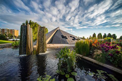 Denver Botanical Gardens Denver Botanic Gardens Science Pyramid Architect Magazine Denver Co Usa Community