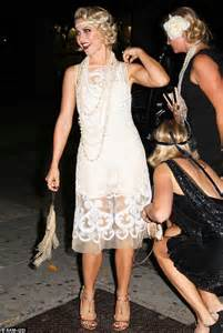 great gatsby themed dress code julianne hough dresses as a 1920s flapper for 25th