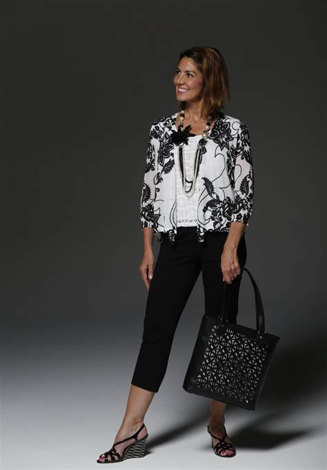 Fashion Tips For 2 by 50 Embrace Fashion And Your Best Features With Tips