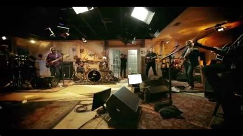 live from daryl s house live from daryl s house with amos lee youtube