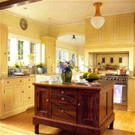 yellow kitchen walls with oak cabinets colored kitchen cabinets