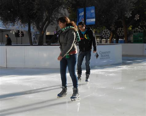 new ice rink brings people to downtown fresno valley