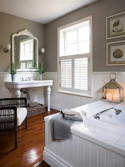 Benjamin Moore Calm Paint by 32 Cozy And Relaxing Farmhouse Bathroom Designs Digsdigs