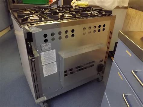Oven Gas Second titan rg90df n 6 burner dual fuel range rg90df n