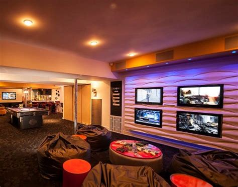 House Tv Room by Multiscreen Tv System Is Like A Sports Bar In Your Home