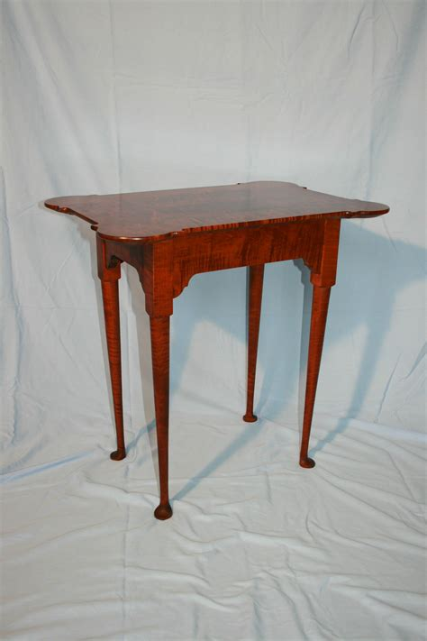 colonial porringer table  solid tiger maple finished