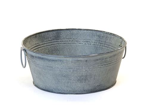 old galvanized bathtub 10 quot galvanized tub round vintage finish