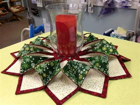 Origami Sewing Table - fold n stitch wreath bits and pieces quilting quilt