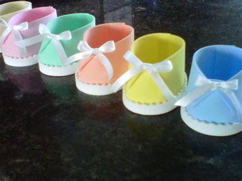como hacer bebes de foami para baby shower manualidades para baby adornos en foami para un baby shower
