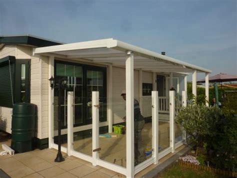 kunststof overkapping tuin kunststof bordes met overkapping bungalow patio tuin