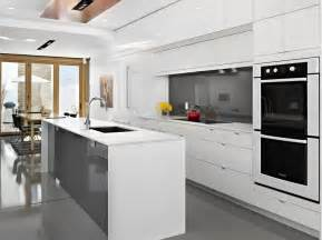 Traditional Modern Kitchen - 10 quick tips to get a wow factor when decorating with all white color freshome com