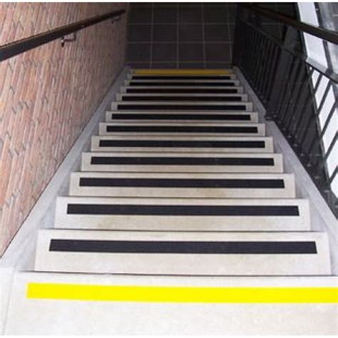 tappeti 3m strisce antiscivolo 3m safety walk 25mm x 18 2m chiwi it