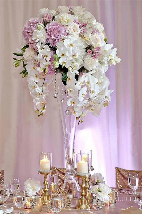 florals to include candle clusters and uplighting