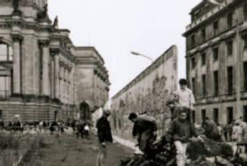 la caida de madrid 8433924516 madrid celebra los 25 a 241 os de la ca 237 da del muro hoyesarte com primer diario de arte en