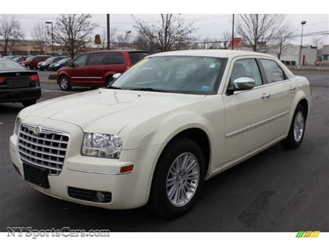 chrysler car white 2010 chrysler 300 touring in cool vanilla white 309059