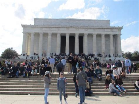 lincoln statue washington dc lincoln memorial washington dc 2016 statue with crowd