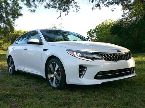 Optima Kia Turbo The 2016 Kia Optima Sx Turbo Is Stylish Funtastic
