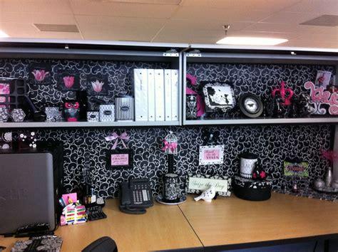 decorate  cubicle ideas  pinterest cubicle