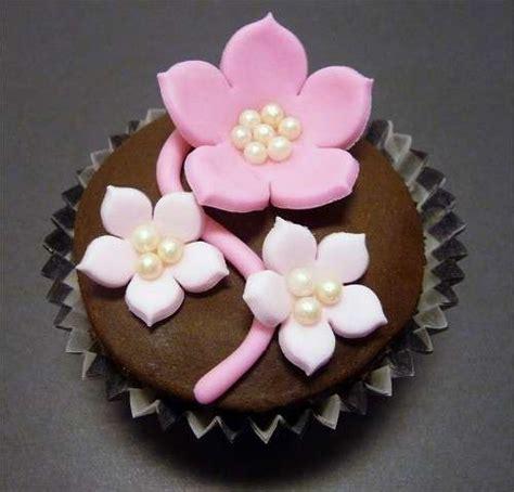fiore di pasta di zucchero ricetta cupcakes cioccolato foto ricette