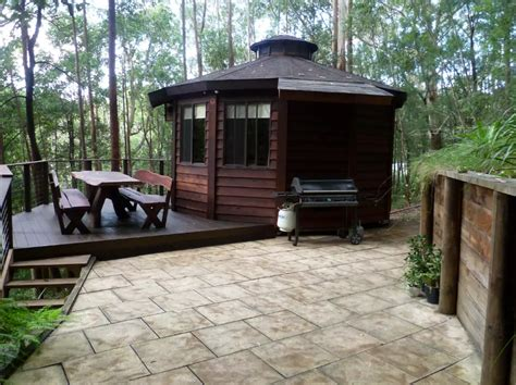 Small House For Rent Brisbane Wooden Yurt Treetop Escape In Australia