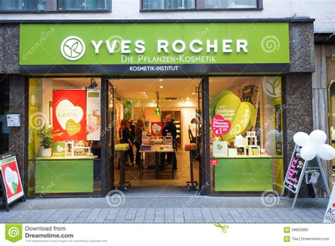 Shoo Yves Rocher yves rocher shop editorial image image of retail
