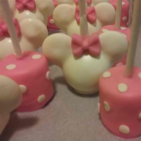 themes in marshmallow minnie mouse cake pops and marshmallows birthday theme