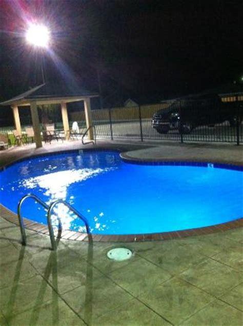 americas best value inn and suites lake charles i210 exit 11 in lake charles la swimming pool americas best value inn suites 65 7 1 prices hotel reviews lake charles la