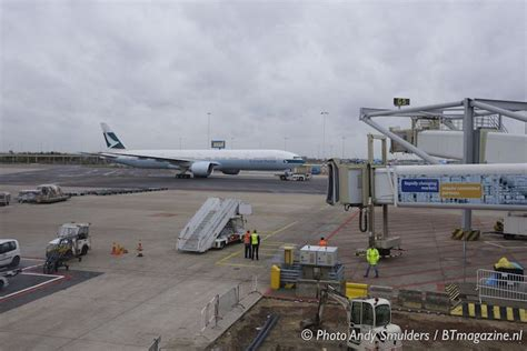 777 cabin layout cathay pacific flies with boeing 777 300er on amsterdam