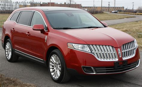 how to sell used cars 2011 lincoln mkt parking system 2011 lincoln mkt information and photos momentcar