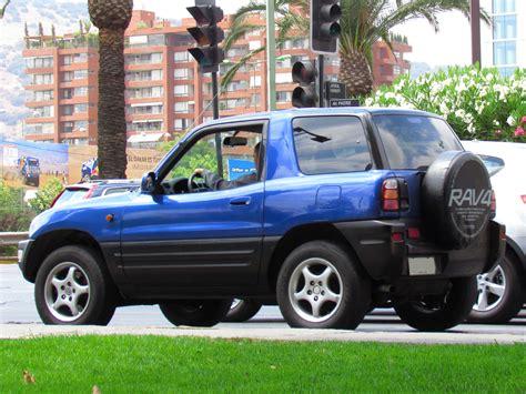 toyota rav4 1999 file toyota rav4 1999 15344562879 jpg wikimedia commons